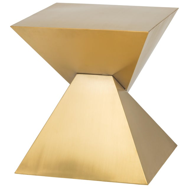 An inspired union of form and function, the strikingly sculptural Giza side table features an intriguing double pyramid...
