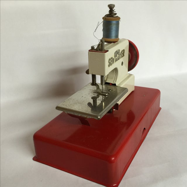 Industrial 1940s German Made Tiny Sewing Machine For Sale - Image 3 of 7