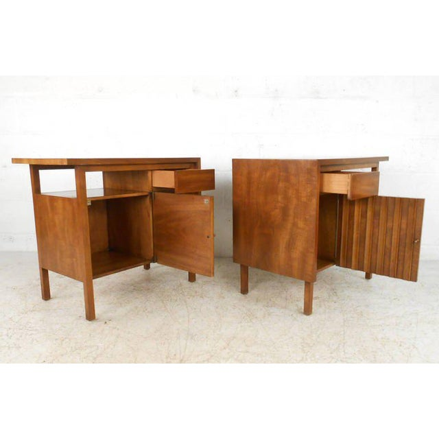 Fine Mid-century Modern Bedroom Set by John Widdicomb - Set of 5 ...