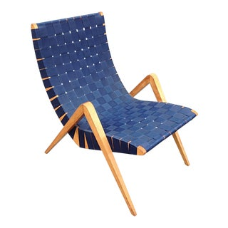1940s Mid-Century Modern Jens Risom Style Navy Blue Webbed Scoop Birch Lounge Chair For Sale