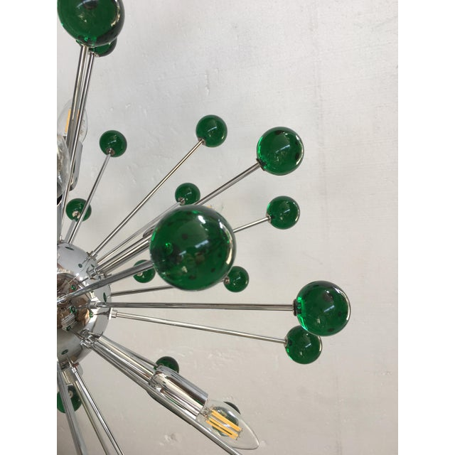 Contemporary Emerald Green Murano Glass Chandelier in Sputnik Style With a Chrome Base For Sale - Image 3 of 11