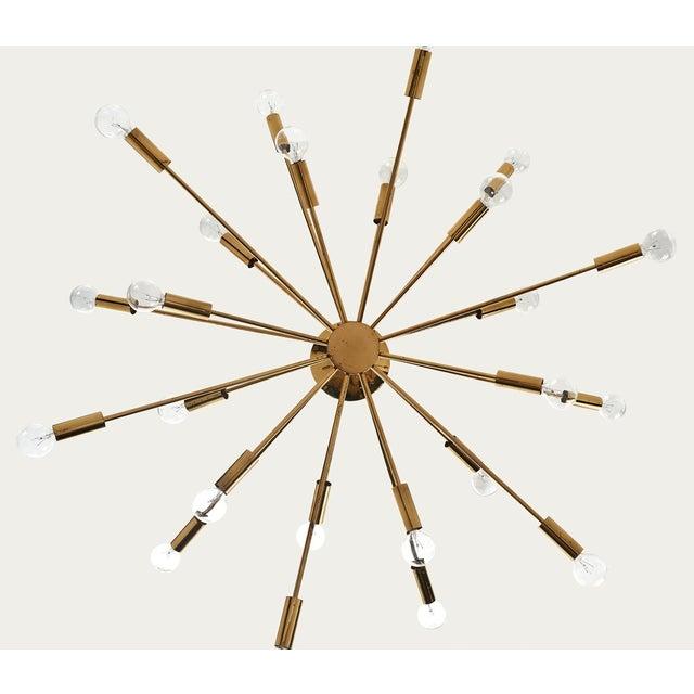 Brass Gino Sarfatti 24 Light Brass 'Sputnik' Chandelier model 4081, ca. 1950 For Sale - Image 7 of 9