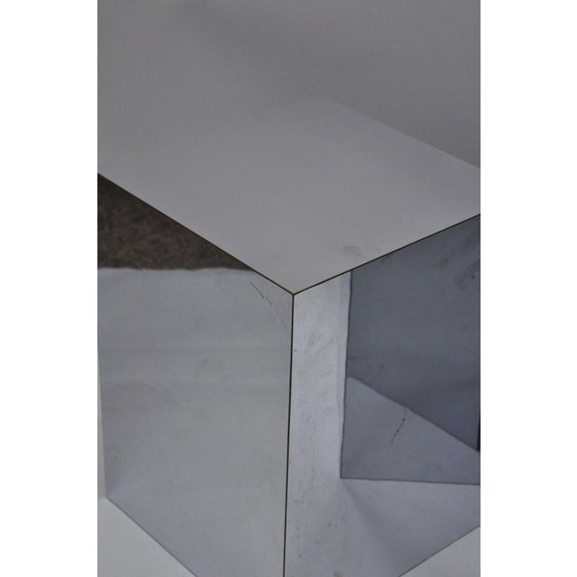 1970s Mid-Century Modern Mirrored Metal Laminate Cube Pedestal Side Table For Sale - Image 4 of 11