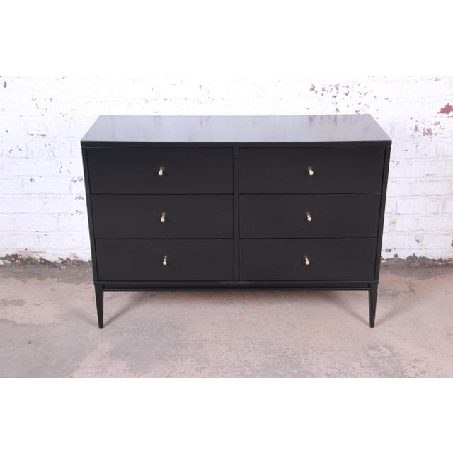 Planner Group Paul McCobb Planner Group Mid-Century Modern Black Lacquered Six-Drawer Dresser, Newly Restored For Sale - Image 4 of 13