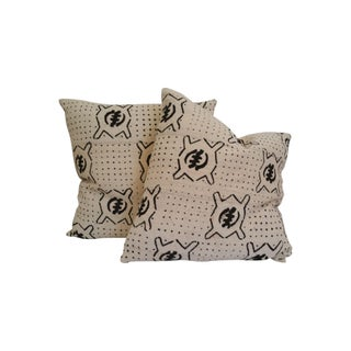 Vintage African White Mud Cloth Pillows - A Pair For Sale