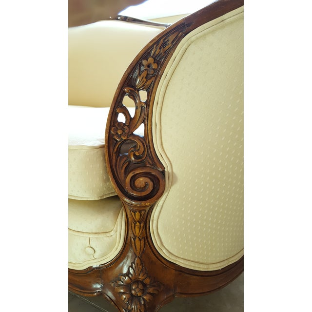 French Louis XV Baroque Style Walnut and Button Upholstered Settee For Sale - Image 9 of 12