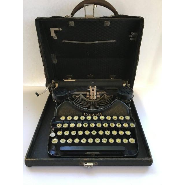 Corona 4 Portable Typewriter With Case - Image 2 of 7