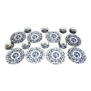 1970s Blue Danube Blue Onion China Service for 8 - Set of 40 For Sale