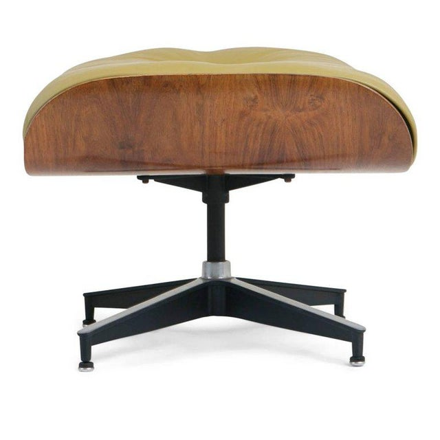 Early Production Model 670/671 Lounge Chair & Ottoman by Charles & Ray Eames For Sale - Image 10 of 13