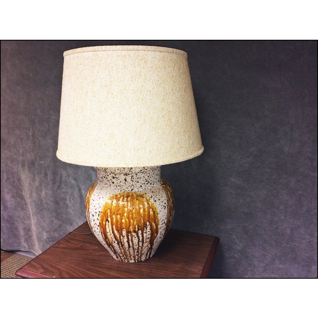 Mid-Century Modern Art Pottery Table Lamp - Image 9 of 11