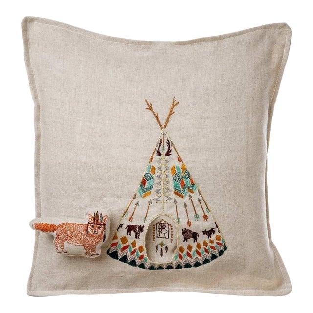 Contemporary Linen Plains Fox Pocket Pillow For Sale