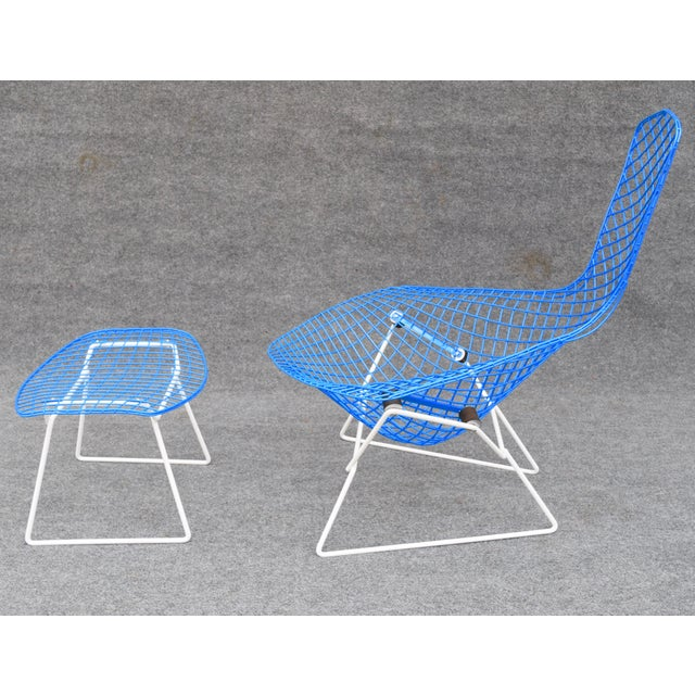 "Knoll Mid-Century Modern ""Bird"" Chair & Ottoman For Sale - Image 4 of 10"