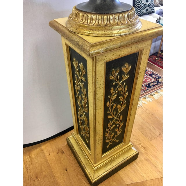 Wood Carved Giltwood and Black Regency Vase and Pedestal Stand, 2 Pieces For Sale - Image 7 of 11