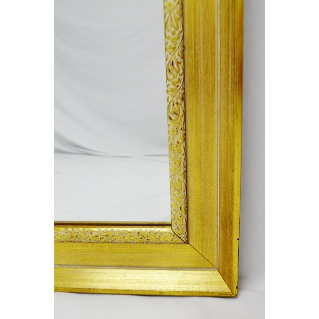 Vintage Gold and White Striated Paint Framed Mirror For Sale - Image 9 of 10
