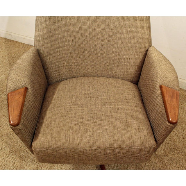 Textile Mid-Century Modern Adrian Pearsall Lounge Chair & Ottoman 2174c For Sale - Image 7 of 10