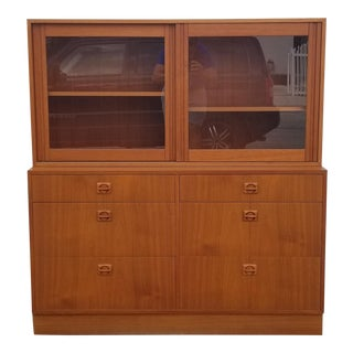 1980s Mid-Century Modern Danish Teak Wood Bookcase/Cabinet For Sale