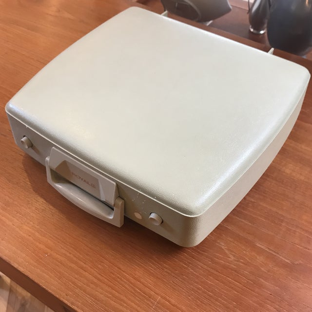 Mid-Century Royalite Typewriter With Carrying Case - Image 7 of 8