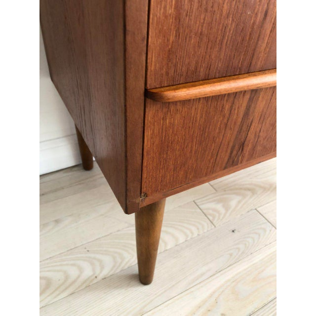 1950s Scandinavian Teak Tallboy Chest of Drawers With Key For Sale - Image 11 of 12