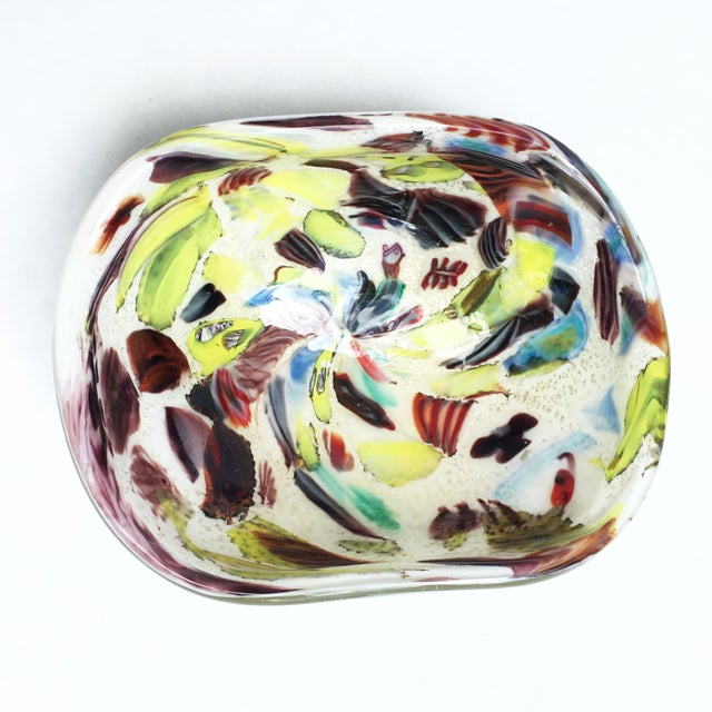 Vintage mid-century Italian Murano glass bowl. Attributed to Arte Vetraria Muranese, or AVeM (A.Ve.M.). Multicolored...
