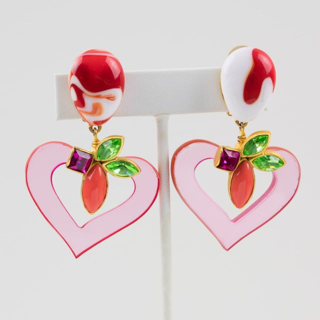 Art Glass Christian Lacroix Paris Jeweled Pink Resin Heart Dangling Clip on Earrings For Sale - Image 7 of 7