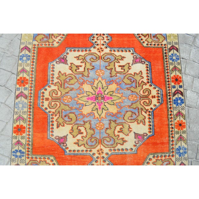 Distressed Area Rug Hand Knotted Colorful Oushak Medallion Rug - 4'4'' X 7'3'' For Sale In New York - Image 6 of 12