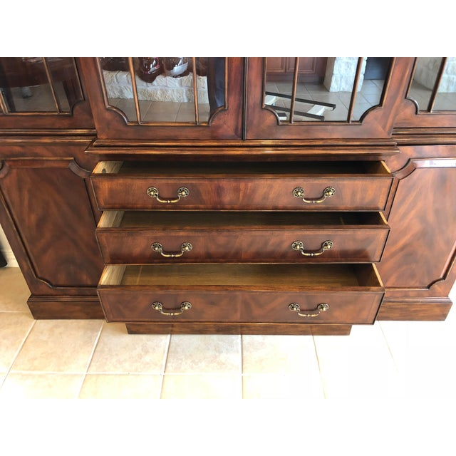 Lloyd Buxton Thomas Mahogany Breakfront China Cabinet For Sale In Houston - Image 6 of 13