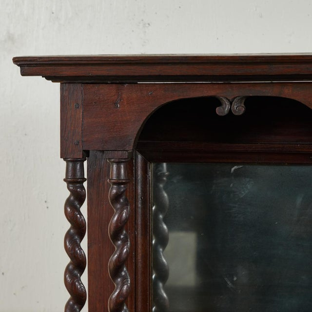 French Early 18th Century French Petite Bureau Secretaire Desk With Projecting Cabinet For Sale - Image 3 of 7