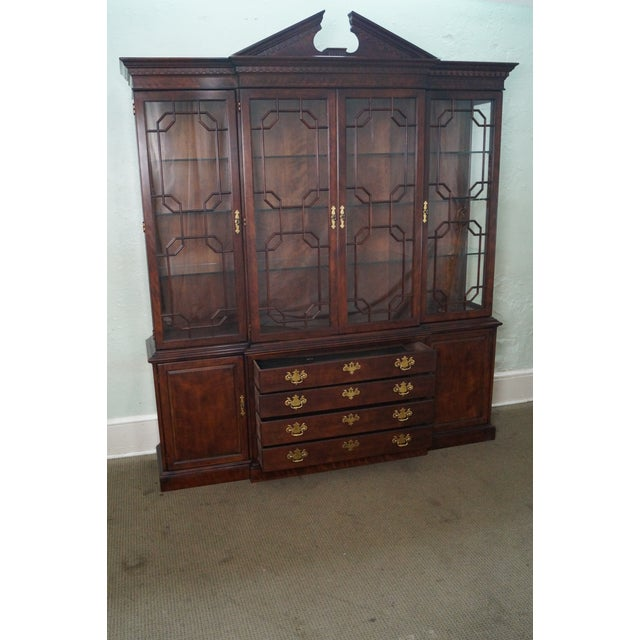 Henredon Chippendale Style Breakfront Cabinet - Image 6 of 10