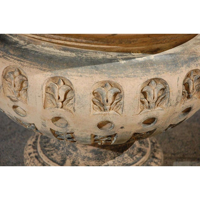 Terra Cotta Planter With Flared Rim From 19th Century England For Sale In Los Angeles - Image 6 of 11