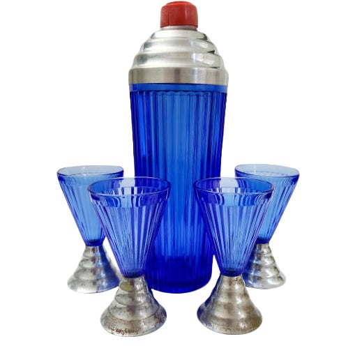 1920s Art Deco Cobalt Blue Cocktail Shaker & Glasses With Chrome Bases - 5 Pieces For Sale