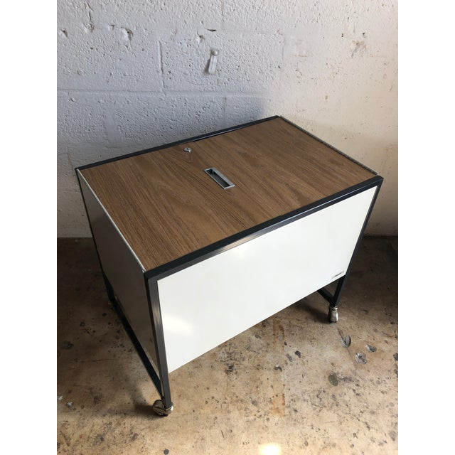 Oxford Ltd. Vintage Mid Century Industrial Filing Cabinet/ Cart For Sale - Image 4 of 13