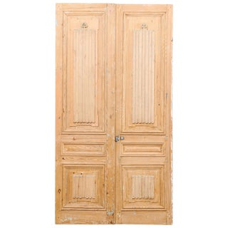Pair of French 19th Century Linenfold Carved Wood Doors For Sale