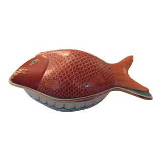 Chinese Porcelain Three Part Fish Dish With Pierced Lid For Sale