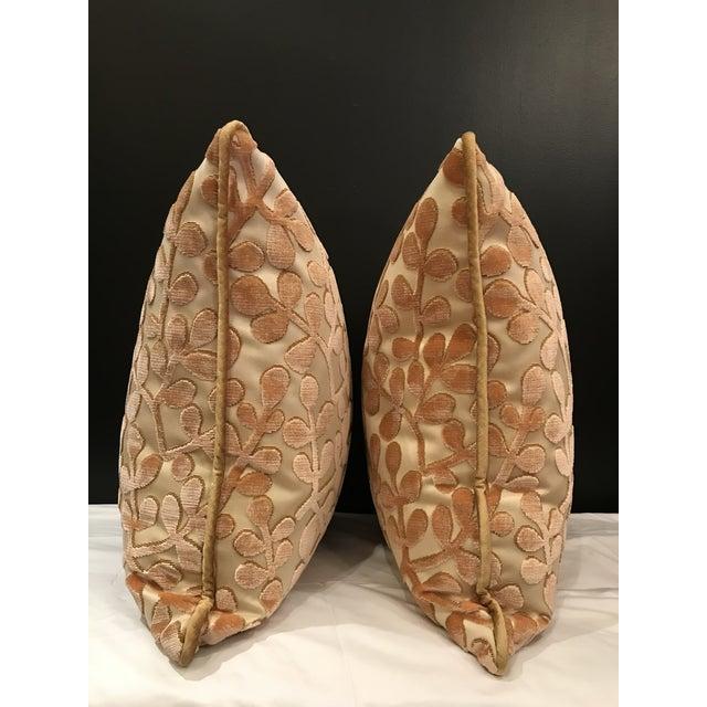 Beacon Hill Transitional Beacon Hill Summer Sonata Shell Silk Velvet Epingle Pillows - a Pair For Sale - Image 4 of 7
