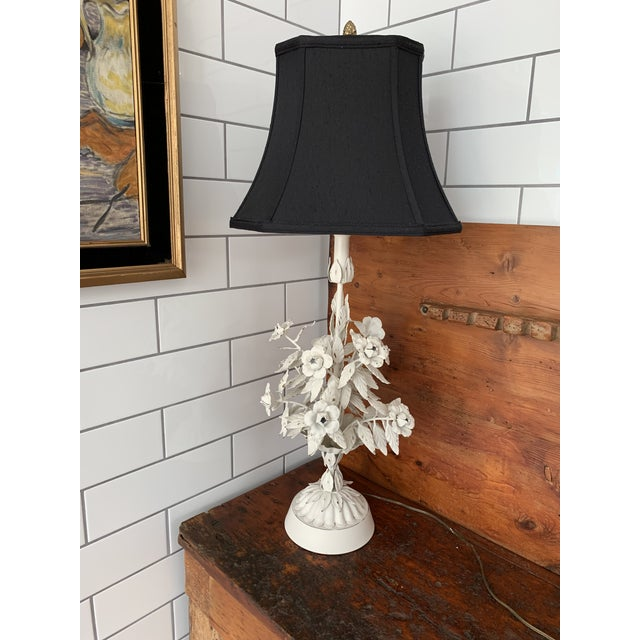 Vintage Mid Century Modern White Tole Floral Lamp For Sale - Image 4 of 7