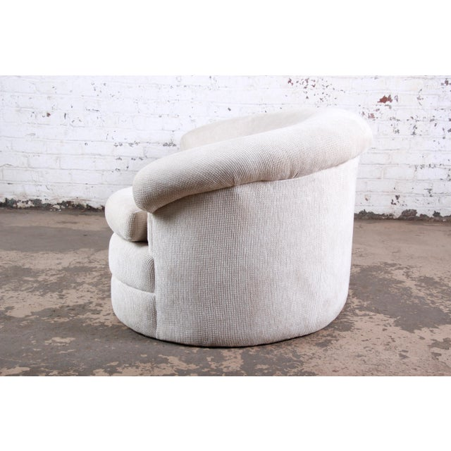 Textile Mid-Century Kidney-Shaped Sofa For Sale - Image 7 of 9