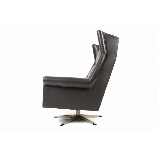 Danish Modern Black Leather Swivel Lounger - Image 8 of 11