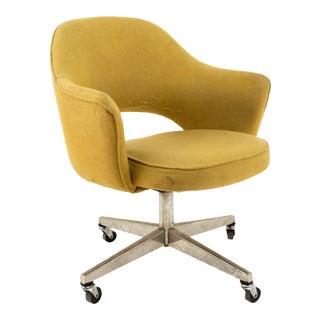 Saarinen for Knoll Mid Century Wheeled Office Desk Chair Tan Tweed For Sale