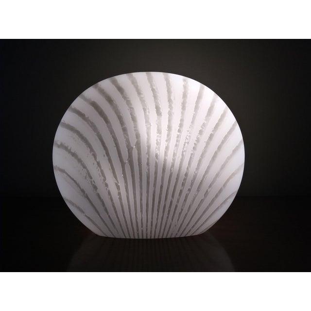 1960's Italian Murano Vetri White and Gray Swirl Shell Table Lamp For Sale - Image 10 of 10