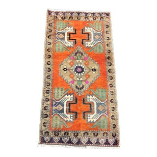 Turkish Vintage Handmade Decorative Small Rugn - 1′6″ × 3′1″ For Sale