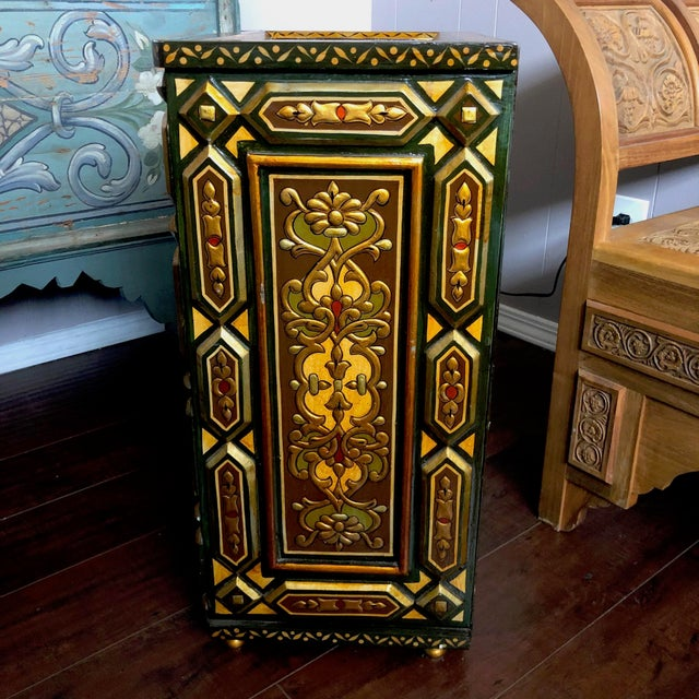 1980's Vintage Hand Painted Moroccan Style Chest For Sale In Los Angeles - Image 6 of 8