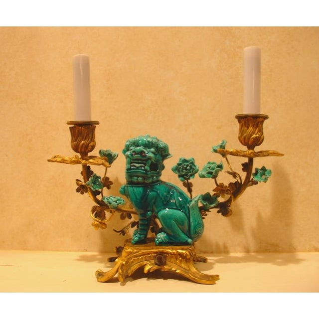 A Chinese Porcelain and French Ormolu Mounted Clock Garniture - Image 5 of 8