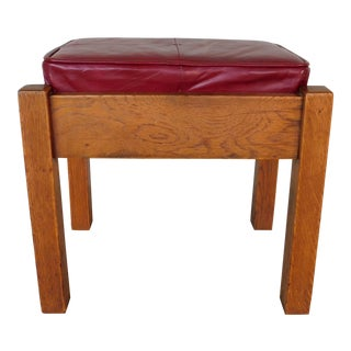 Stickley Bros. Mission Oak Arts & Crafts Style Leather Top Foot Stool Model 5267 For Sale