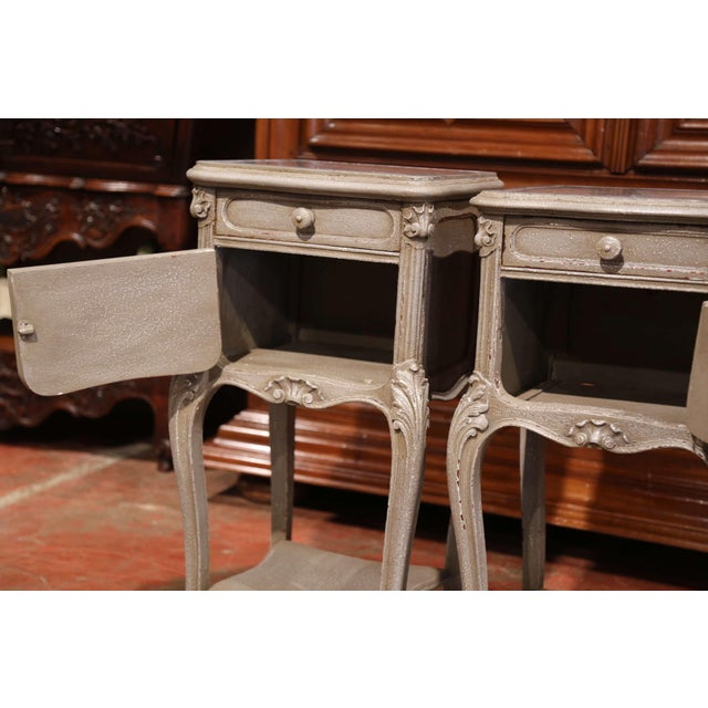 Late 19th Century Pair of 19th Century French Louis XV Carved Painted Nightstands With Marble Top For Sale - Image 5 of 10