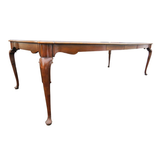 """Wood Vintage Baker Furniture Co """"Collector's Choice"""" Queen Anne Dining Table With Leaves For Sale - Image 7 of 11"""