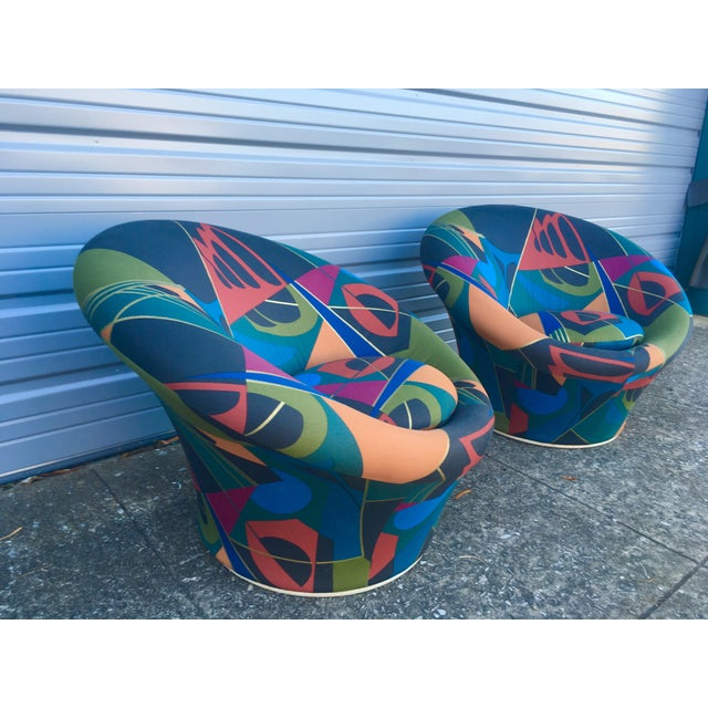 Memphis Mid Century Modern Pierre Paulin for Artifort F560 Mushroom Chairs- A Pair For Sale - Image 3 of 5