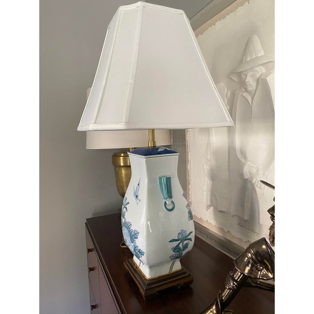 Asian Asian Ceramic Table Lamp For Sale - Image 3 of 6