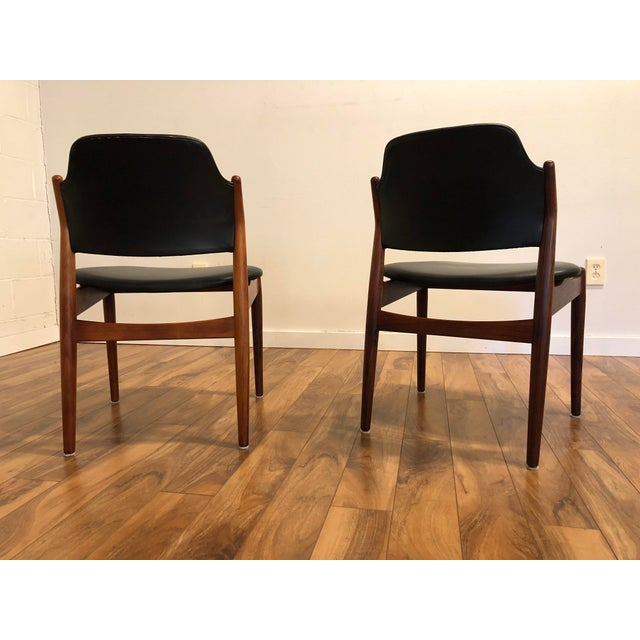Sibast Furniture Arne Vodder for Sibast Rosewood and Leather Side Chairs, Made in Denmark, a Pair For Sale - Image 4 of 9