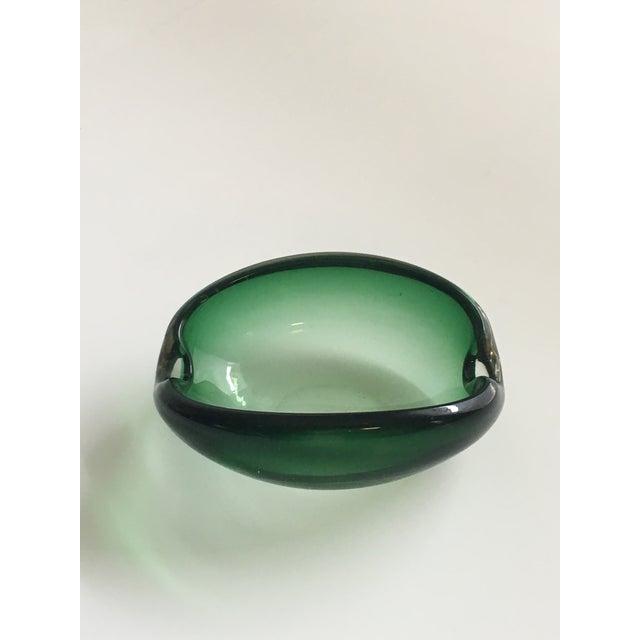 Contemporary Alfredo Barbini Murano Glass Green Ashtray For Sale - Image 3 of 7