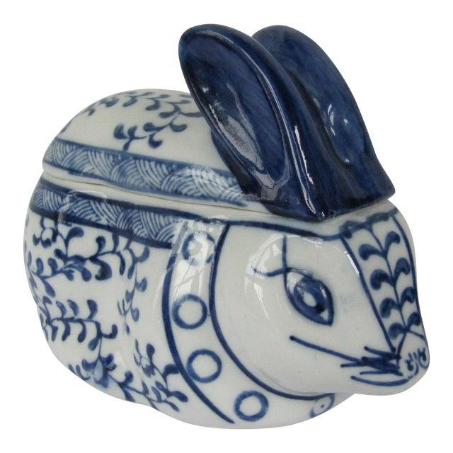 Blue & White Porcelain Rabbit Lided Box For Sale